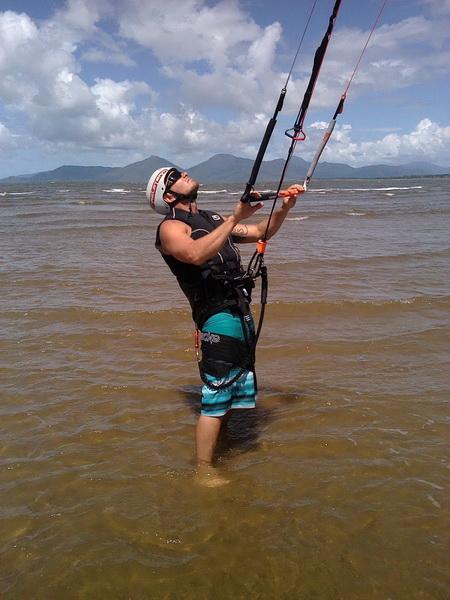 kitesurfing Lessons - Kiteboarding Cairns Austrailia
